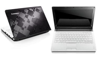 Bis Sonntag: 11″ Lenovo IdeaPad U160 M436LGE für 349 € statt 449 € (UVP) - Eine offene Laptop-Computer sitzt auf einem Tisch - Lenovo IdeaPad U310
