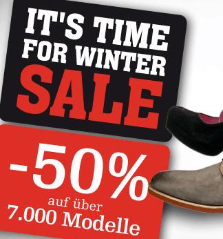 Mirapodo Winter Sale: bis 50% Rabatt - Ein schwarzes Schild mit weißer Schrift - Schuh